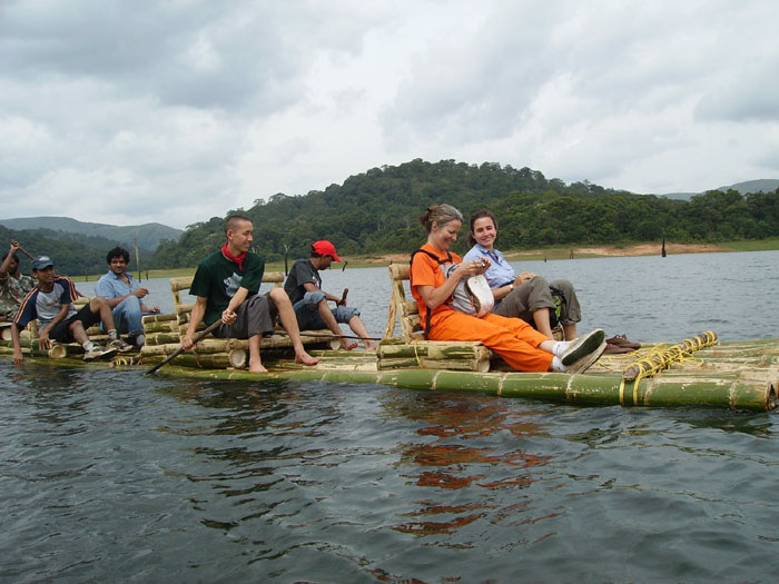 bamboo rafting in Periya