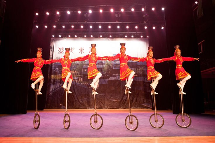 dubai unicyclists
